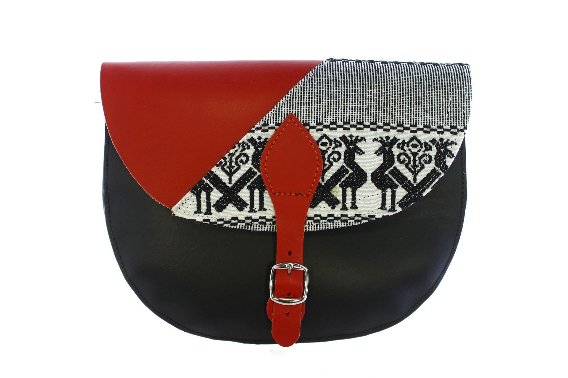 rosso-pavoncelle-nero +€10,00